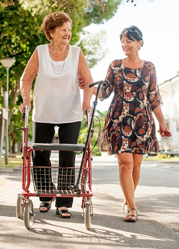 Caregiver Tips for Hip Replacement Patients